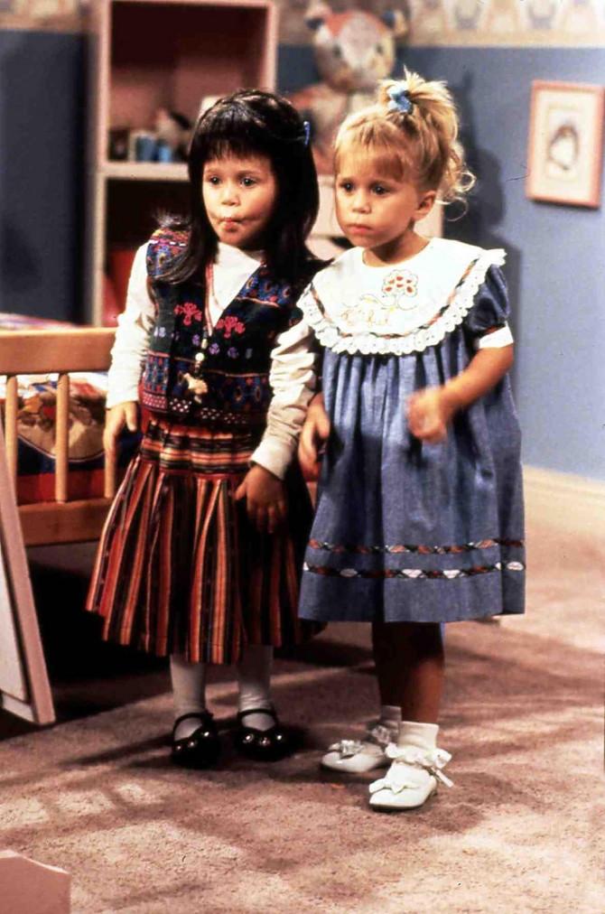 Meri Keti (desno) sa sestrom Ešli bila je dečja zvezda u Holivudu