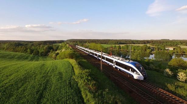 Firma PESA z Bydgoszczy dostarczy na Białoruś w tym roku 4 trójczłonowe pociągi z lokomotywą spalinową.