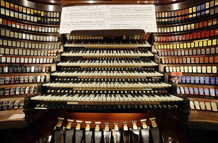 Za života je više bio cenjen kao orguljaš nego kao kompozitor