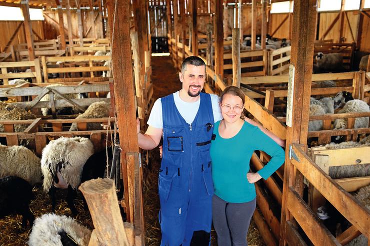 Moderni pastiri Tadići Ivan i Mia