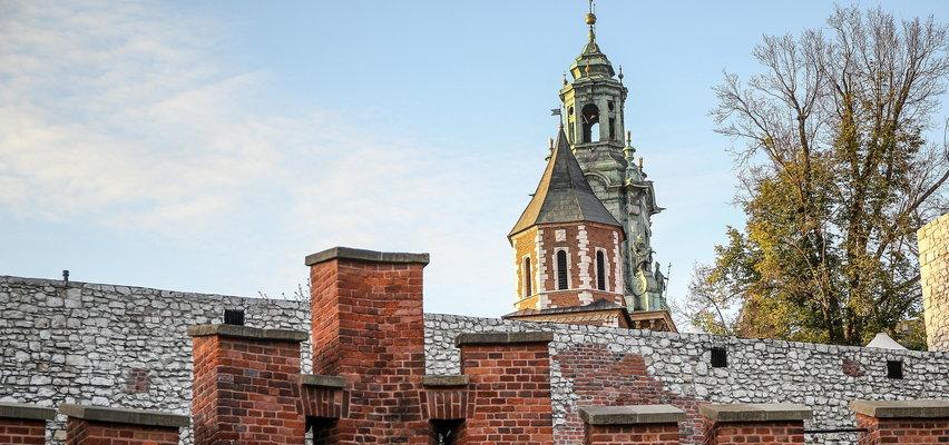 Remont fortyfikacji Wzgórza Wawelskiego. Biały Mur przejdzie lifting!