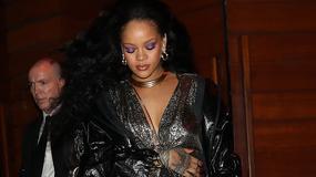 Rihanna w srebrnym opakowaniu. Niczym cukierek wiszący na choince