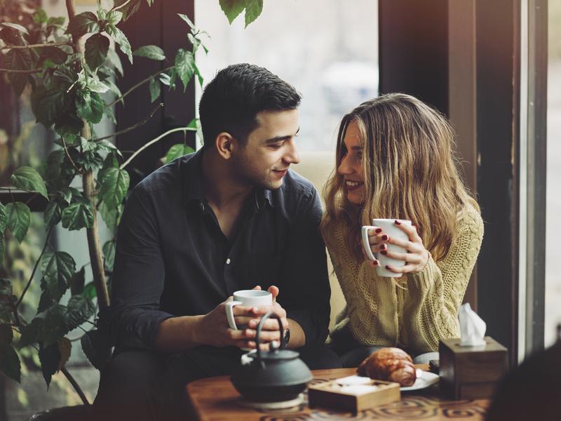 Śmieszne pytania, które należy zadać podczas randek internetowych