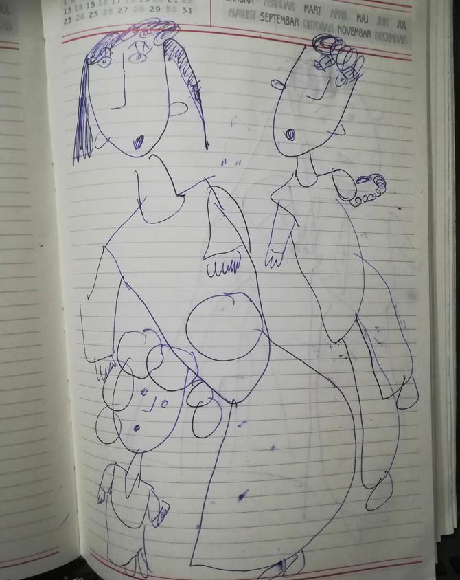 Kada bih otvorila rokovnik i ugledala ćerkin  crtež, to mi je bio podstrek  i znak da je put koji sam odabrala ispravan. Na crtežu je naša tadašnja porodica i mama sa stomakom, kaže Jelena