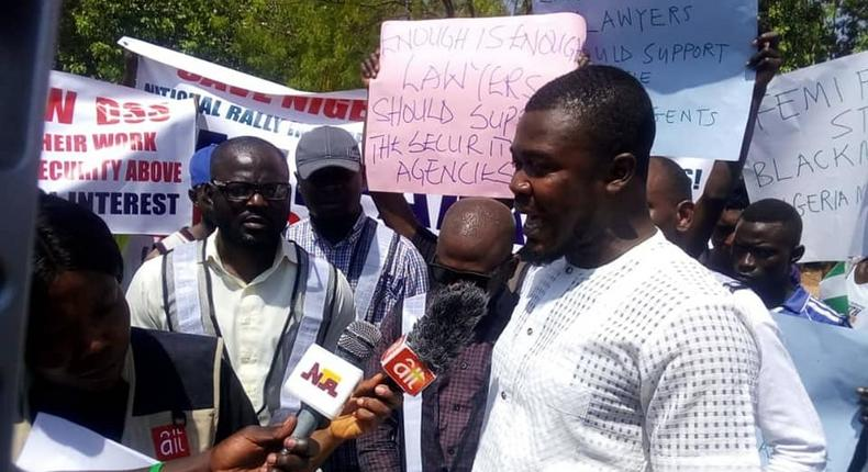 A group of young Nigerians in Abuja wants Falana to stop harassing the DSS, and other security agencies. [The Cable]