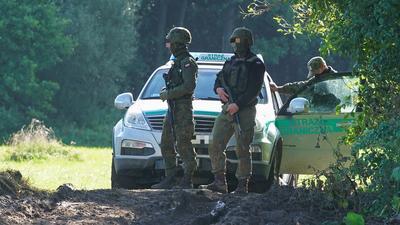 Gorąca sytuacja na granicy z Białorusią. Prawnicy chcieli dostać się do koczujących migrantów. Straż Graniczna ich nie dopuściła