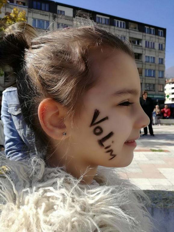 Poruka Pribojaca: VoLim ne dam