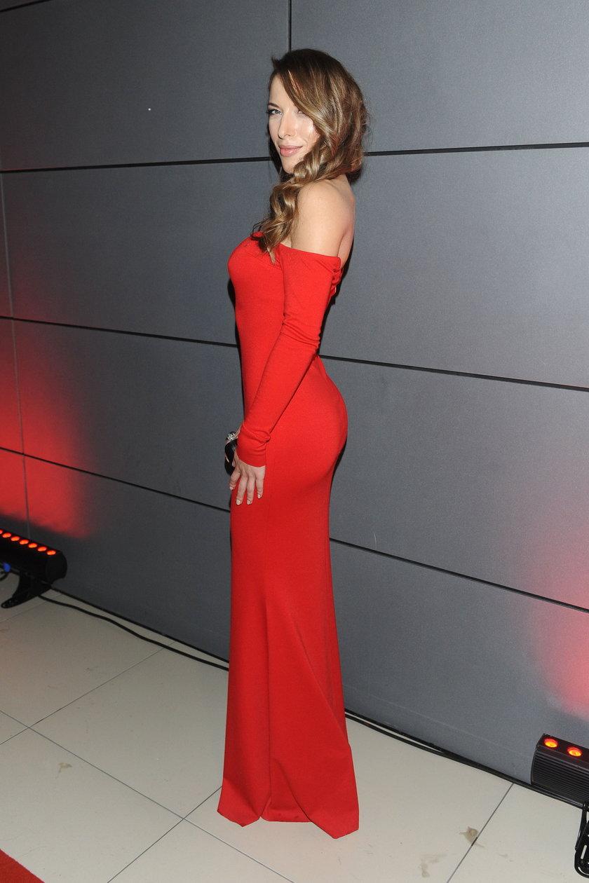 Ewa Chodakowska w czerwonej sukni