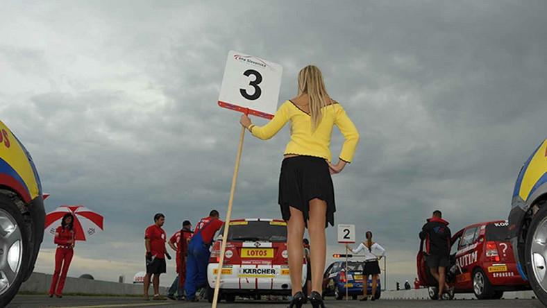 Konfiguracja toru okazała się niezwykle trudna dla kierowców startujących w obu pucharach - picanto Lotos Cup jak i...