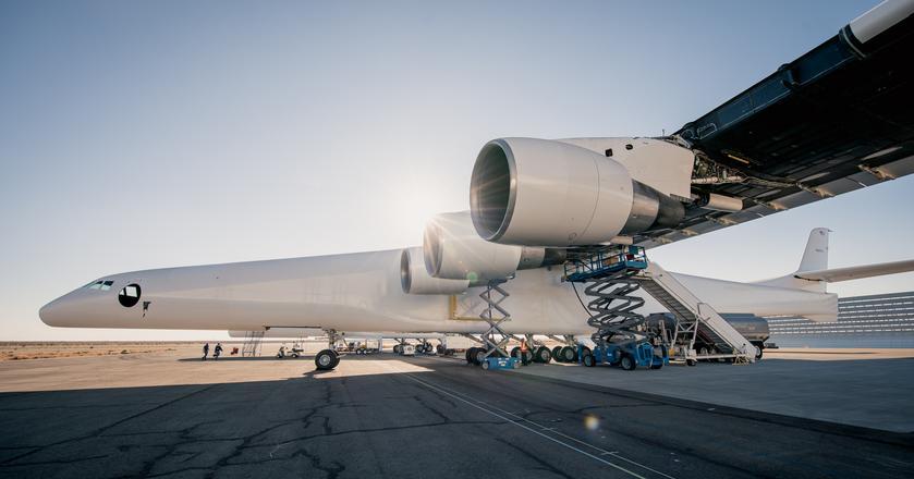 Stratolaunch to samolot, który ma być wykorzystywany do taniego wynoszenia rakiet na orbitę