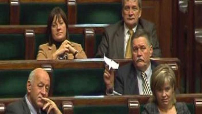 Co posłowie robią w Sejmie, kiedy nie pracują?