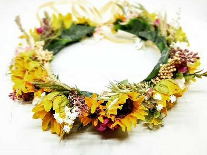 Sutra je Ivanjdan: Ivanjsko cveće ima MAGIJUSKU MOĆ, okačite pred kućom venčić večeras da se uverite