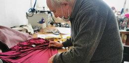 W czasie pandemii 92-letni krawiec z Wrocławia klepał biedę. Jedna wizyta odmieniła jego los...