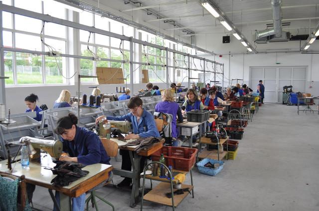 """Zbog otvaranja fabrike """"Geox"""" velika potražnja za kvalifikovanim radnicima"""
