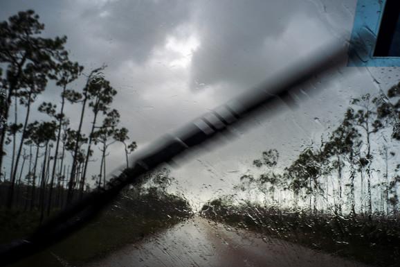 Najsnažniji uragan ikada: Dorijan razara Bahame, Amerika čeka udar