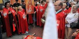 Krakowianie protestują przeciwko sztuce Golgota Picnic