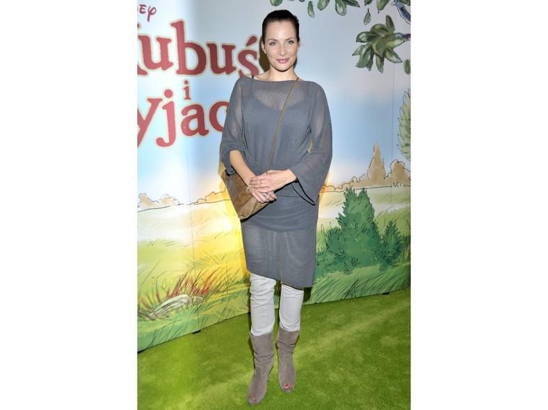 """Anna Dereszowska na premierze filmu """"Kubuś i przyjaciele"""" wyglądała oryginalnie, ale czy czuła się komfortowo?"""
