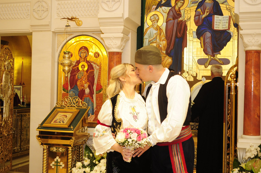 Danijela Karić i Ivan Mileusnić na crkvenom venčanju