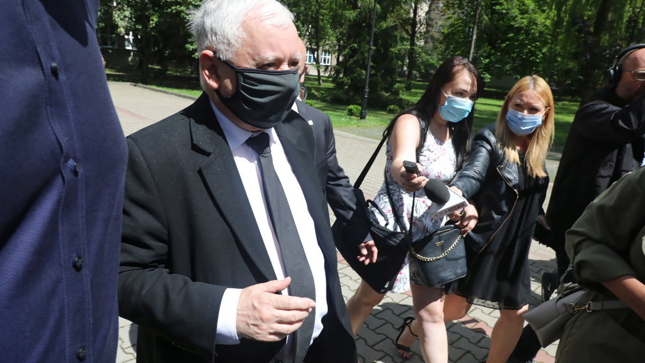 Jarosław Kaczyński przed głosowaniem w II turze wyborów prezydenckich