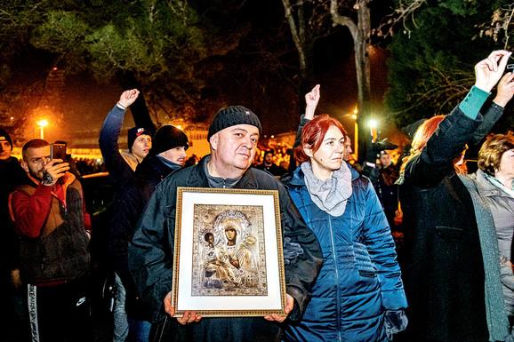 U Podgorici već više od mesec dana traju protesti zbog spornog Zakona o veroispovesti