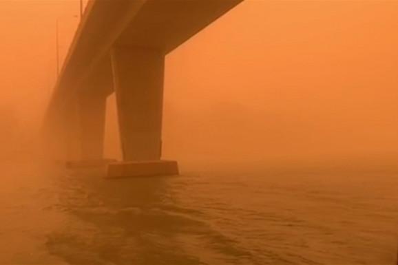 APOKALIPTIČNI PRIZORI U Australiji besne takvi požari da je nebo postalo NARANDŽASTO, a to je tek početak (VIDEO)