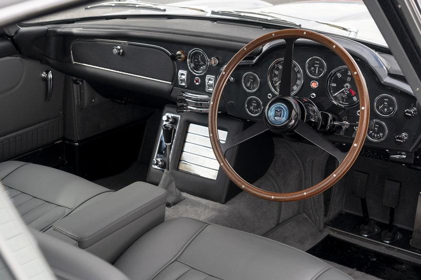 Aston Martin wypuścił kultowy model. Oszałamiająca kwota