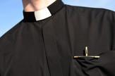 sveštenik katolička crkva