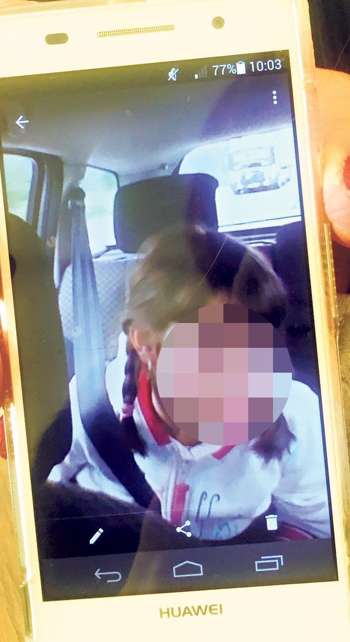 A gyönyörű kislányt a saját anyja gyilkolta meg.