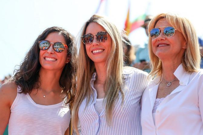 Marija sa sestrom i majkom Rafaela Nadala