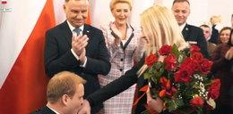 Strażak ze Zduńskiej Woli zaskoczył dziewczynę i prezydenta. Oświadczyny w pałacu