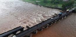 Dwa autobusy z pasażerami wpadły do rzeki. Wszyscy zginęli