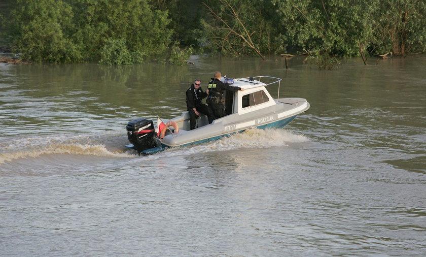 14-latek poszedł się kąpać w Dunajcu z kolegami. Zniknął pod wodą