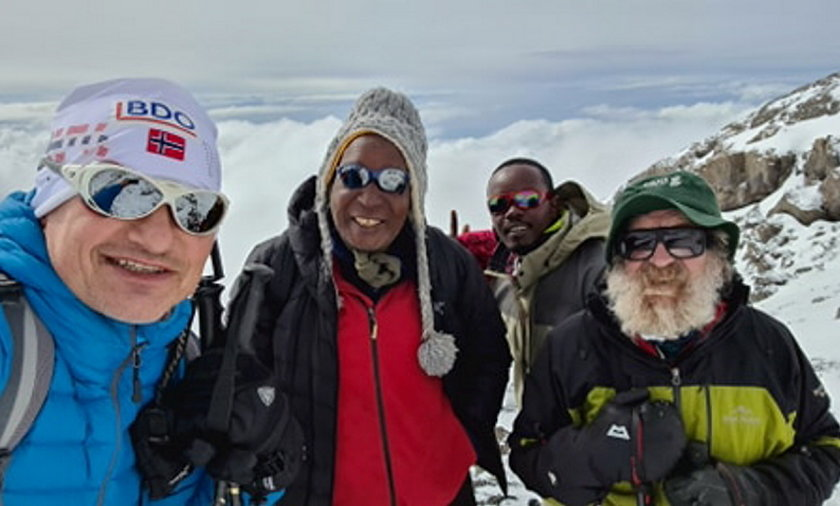 Aleksander Doba i Bogusław Wawrzyniak tuż przed zdobyciem szczytu Kilimandżaro.
