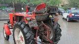 Furiat wjechał traktorem do Tesco w Stalowej Woli