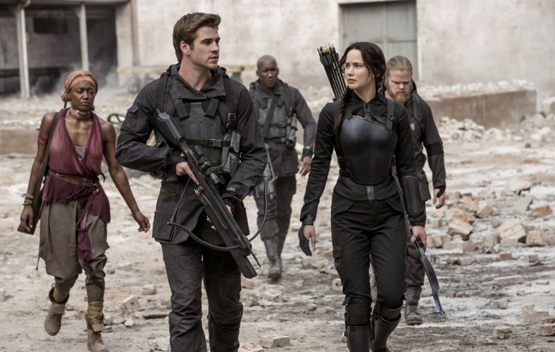 Hemsworth i Lawrence jako Gale i Katniss - , fot. Forum Film