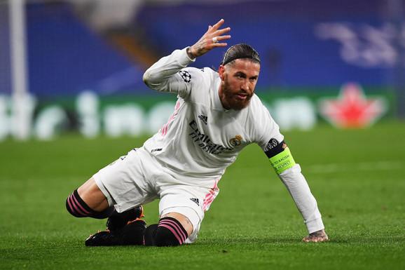 """NAVIJAČI NE MOGU DA VERUJU Posle 16 godina kapiten napušta Real Madrid, a razlog su ponovo """"PROKLETE PARE"""""""