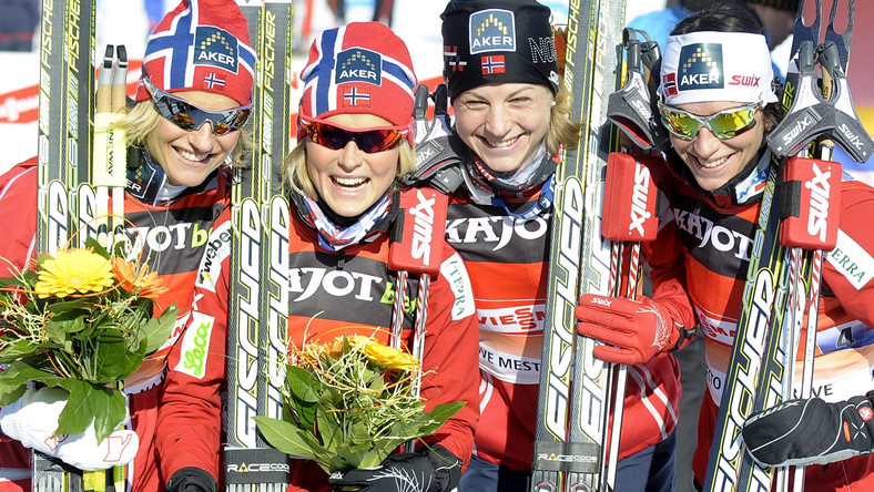 Vibeke W Skofterrud, Therese Johaug, Astrid Uhrenholdt Jacobsen i Marit Bjoergen