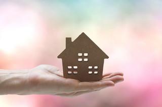 Spadkobiercom opłaca się wstrzymać ze sprzedażą domu