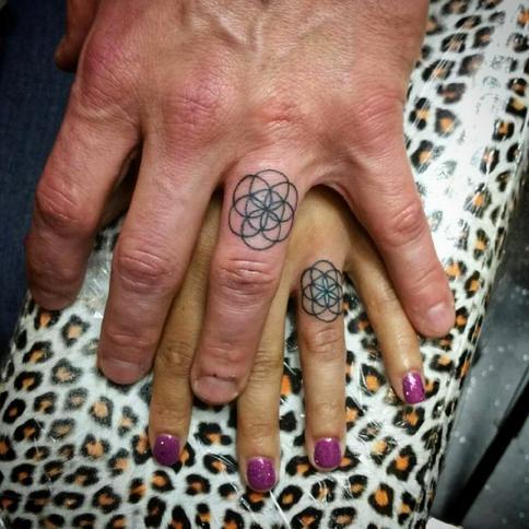 Tatuaże ślubne Zamiast Obrączki Nowa Moda Wśród Małżonków