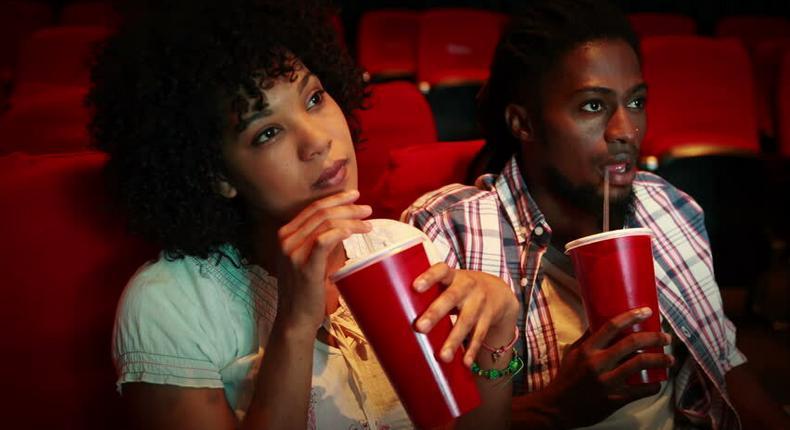 ___9169154___2018___12___5___11___couplelelee+movie_1