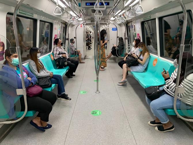Slika iz metroa u Singapuru