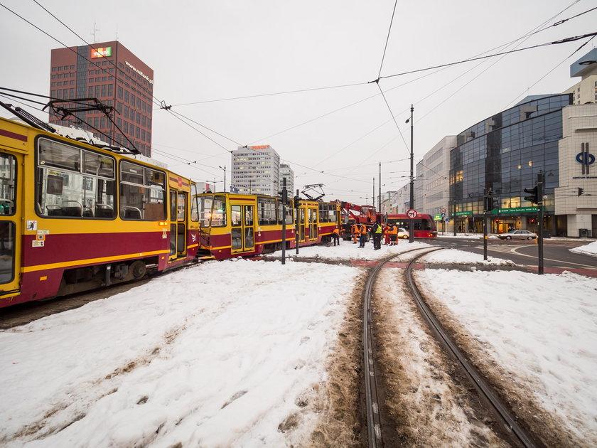 Wykolejenie tramwaju w godzinie największego ruchu. Łódź bez komunikacji