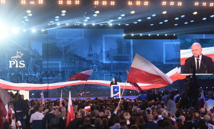 Morawiecki, prezes PiS i rodziny kandydatów gwiazdami konwencji PiS.