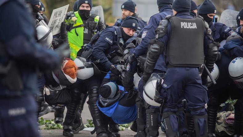Akcja policji podczas marszu w Hajnówce