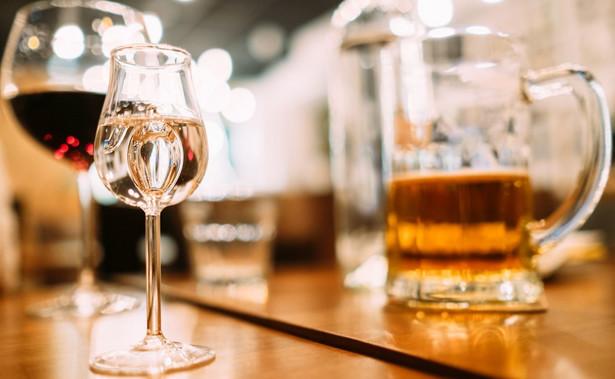 Środki z tego tytułu zasilają tzw. fundusz korkowy (inaczej kapslowy) i co do zasady muszą być wykorzystane przez gminę na profilaktykę i przeciwdziałanie alkoholizmowi czy narkomanii.