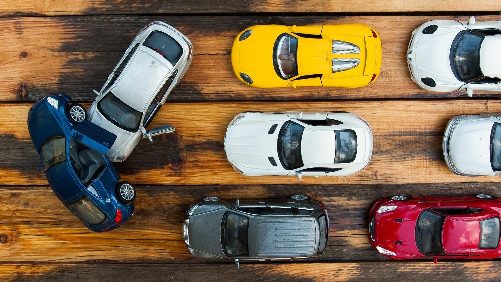 Zepsuć tylko po to, żeby naprawić. Renowacja samochodzików to nowy trend na YouTubie