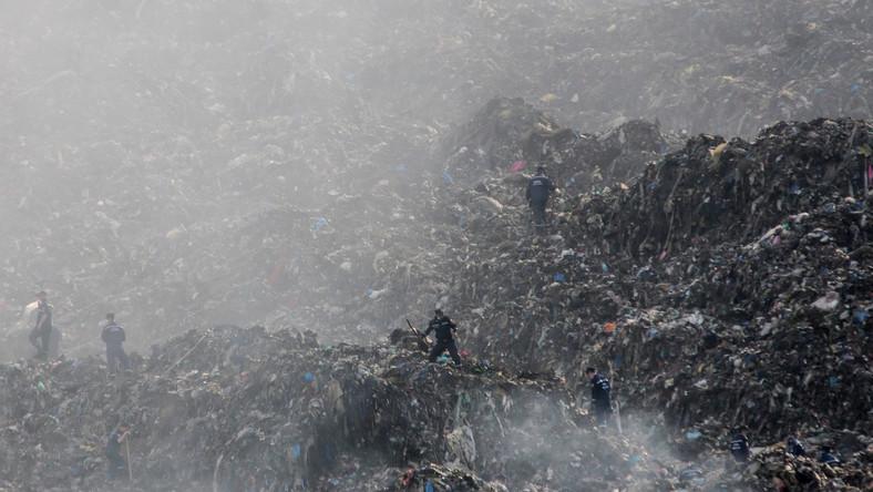 Lawina śmieci we Lwowie