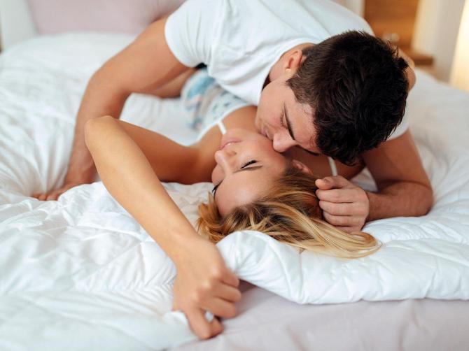 Postoji SAMO JEDAN znak koji je u seksu bolji od Škorpije: Ako ga imate u krevetu, NE PUŠTAJTE GA