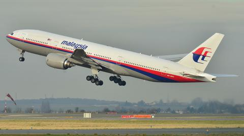 Boeing 777 o rejestracji 9M-MRO sfotografowany na trzy lata przed tragedią podczas startu z lotniska w Paryżu