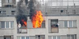 Pożar w wieżowcu Warszawie! Płomienie buchały z okien na 8. piętrze
